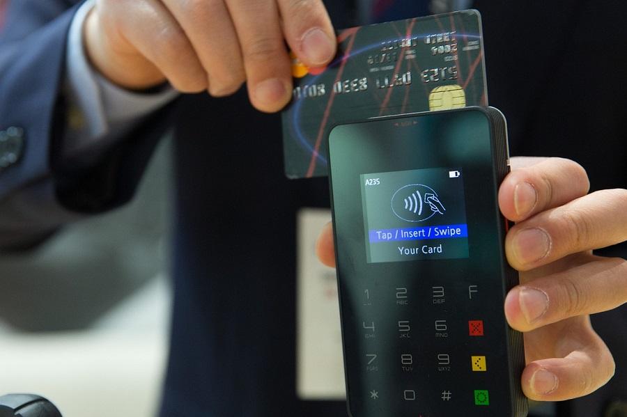Fizess részletre hitelkártyával! Megjött a Mastercard nagy újítása